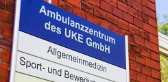 Schild des Ambulanzzentrums