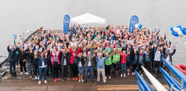 "10 years ""Rowing Against Cancer"" on the Outer Alster"